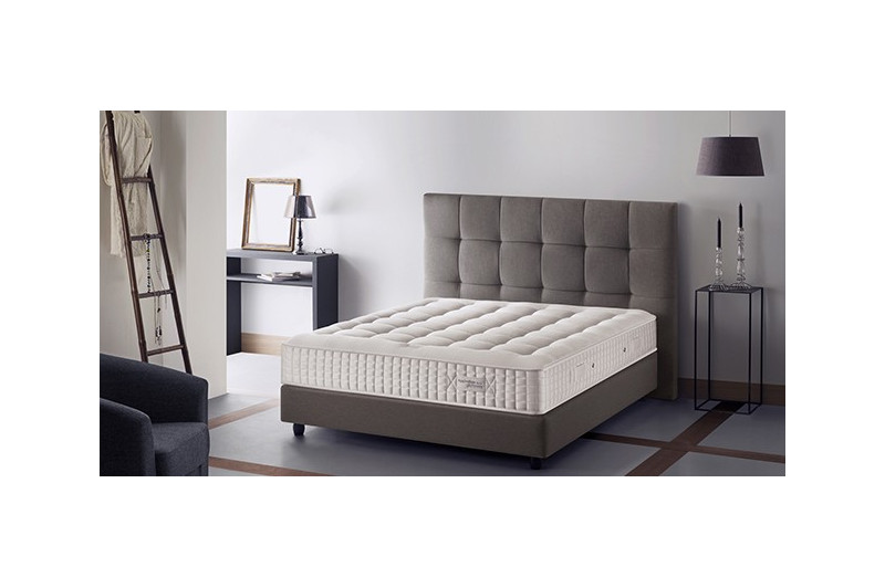 matelas de luxe fascination simmons. Black Bedroom Furniture Sets. Home Design Ideas